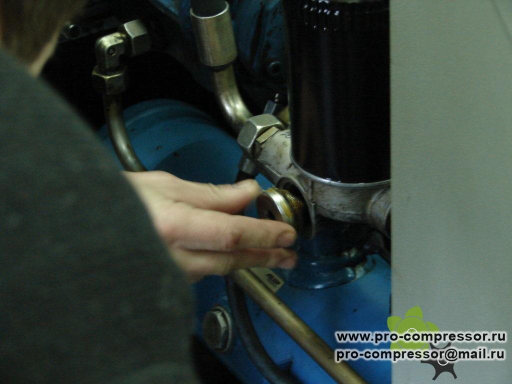Как поменять термостат на винтовом компрессоре