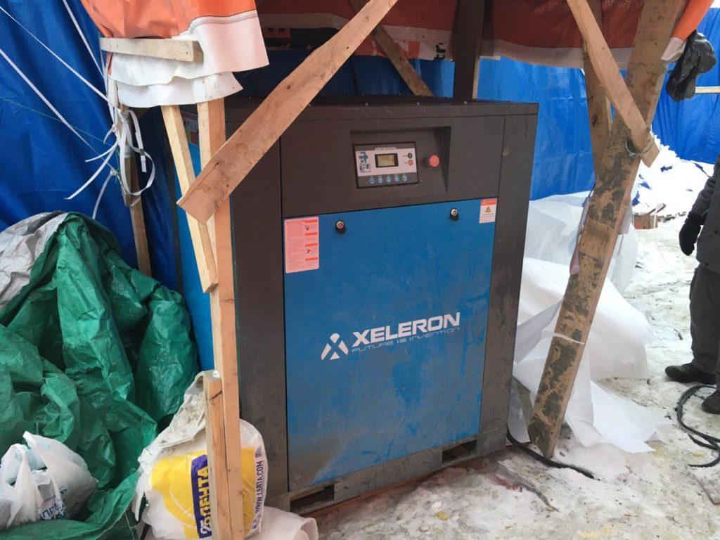 Винтовой компрессор Xeleron на стройке